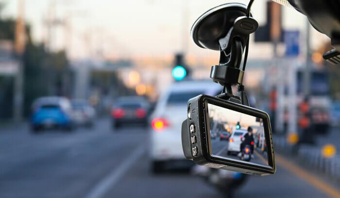 เหตุผลที่คุณควรมีกล้องติดรถยนต์ ช่วยอะไรได้ มีประโยชน์อะไร ??